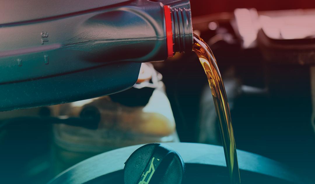Entenda um pouco mais sobre o óleo do motor e a sua função no veículo